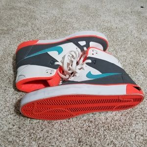 Nike Shoes - Mens high tops sneakers